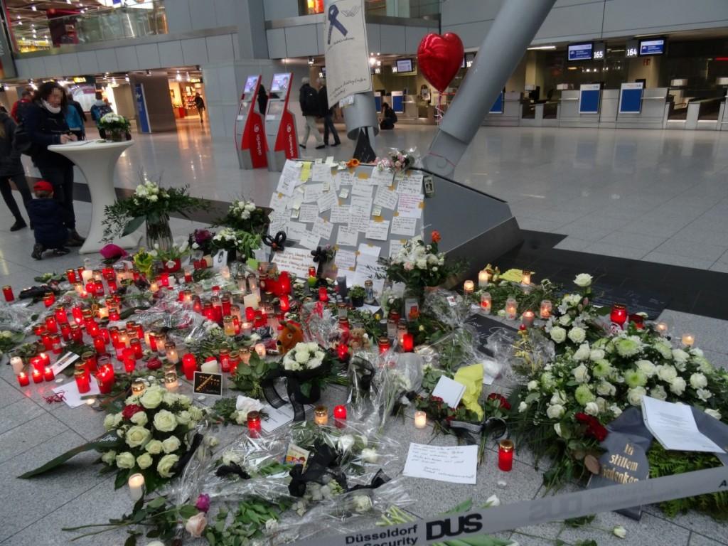 Gedenkstätte am Flughafen Düsseldorf für Germanwings-Flug 9525