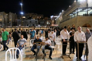 022-2019-06a-3515-Israelreise-Jerusalem-by-night-kl